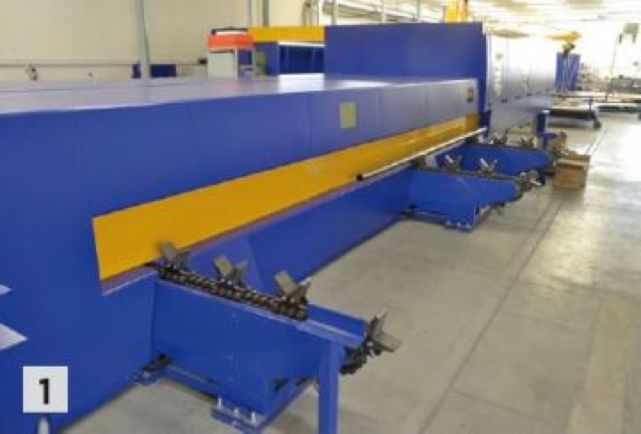 MSF machine 4x2 m with additional equpiment for cutting pipes and rectangular profiles with automatic material loading – customer Orgeco (Slovakia)
