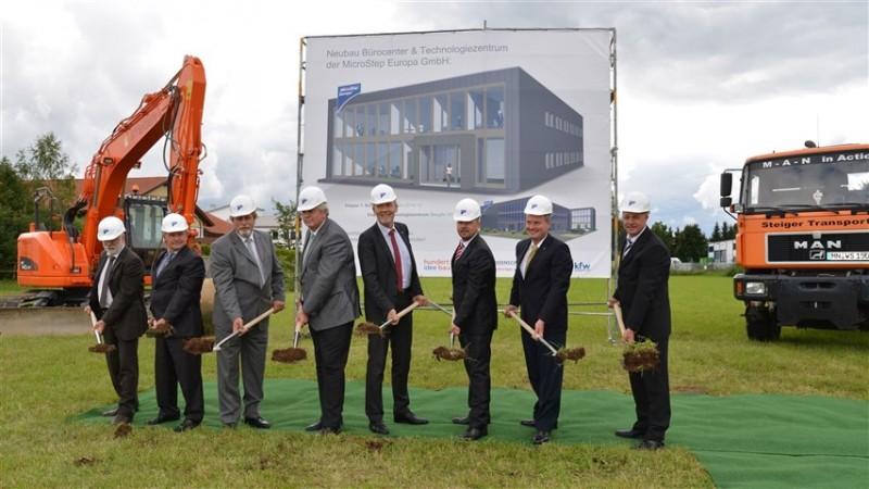 Slovenská spoločnosť MicroStep Europa položila základný kameň nového sídla a technologického centra v Bavorsku