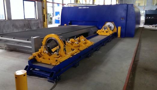 Obr. 2 Laserový rezací stroj MSF s pracovnou plochou 6x2 m rozšírený o rezanie profilov a rúr do priemeru 300 mm